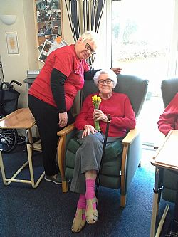 The Old Vic residential nursing home in Kettering celebrate Mother�s Day in style!